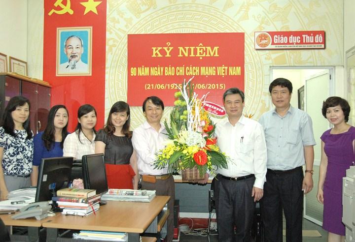 Giám đốc Sở GD&ĐT Hà Nội chúc mừng Tạp chí Giáo dục Thủ đô nhân ngày Báo chí Cách mạng Việt Nam