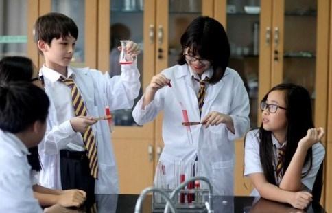 Một giờ thí nghiệm của học sinh Trường phổ thông liên cấp Olympia.