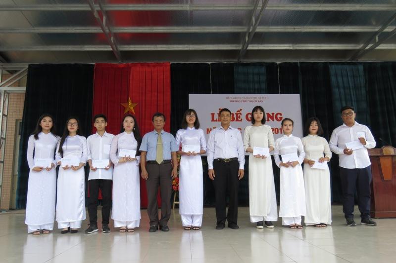 Lễ bế giảng năm học 2017-2018 - c3thachban.edu.vn